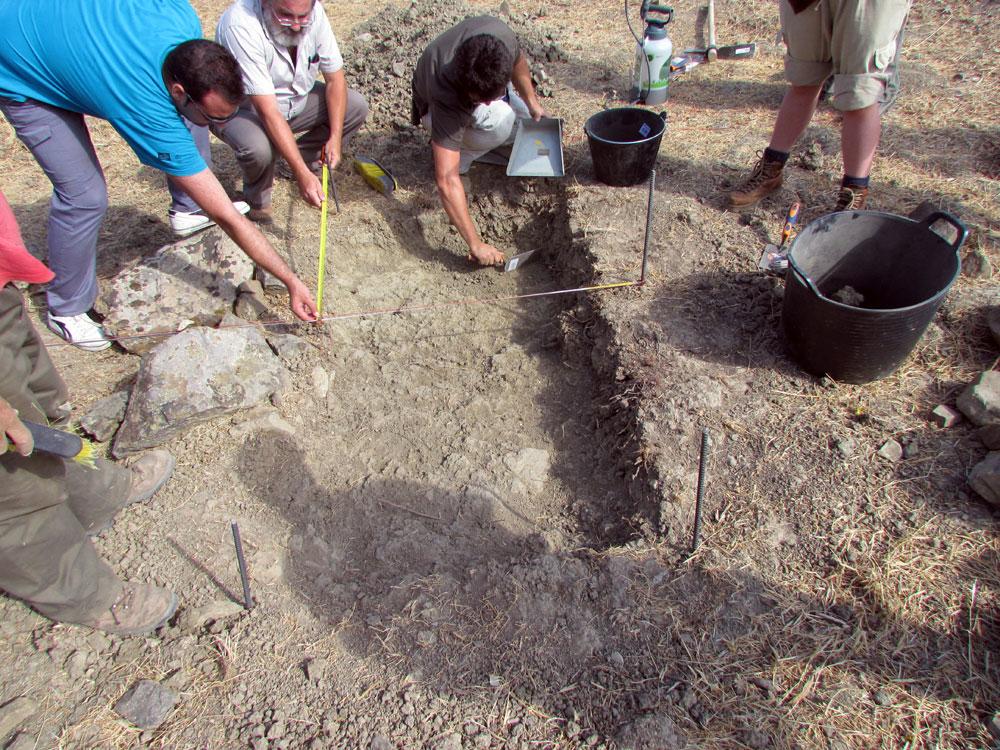 Prospecciones de la fosa en 2011. Foto: FpMCG
