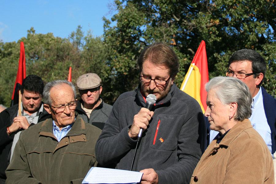 Andrés Rebolledo durante la lectura del Manifiesto