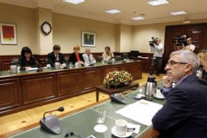 Vista general de la reunión de la Mesa y Portavoces de la Comisión de Interior con el grupo de trabajo de la ONU.- EFE