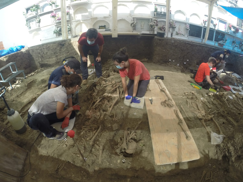 020-08-05 exhumación (2)